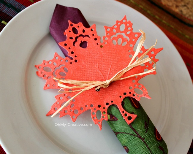 Fall Doily Leaf Napkin Ring - OhMy-Creative.com 2