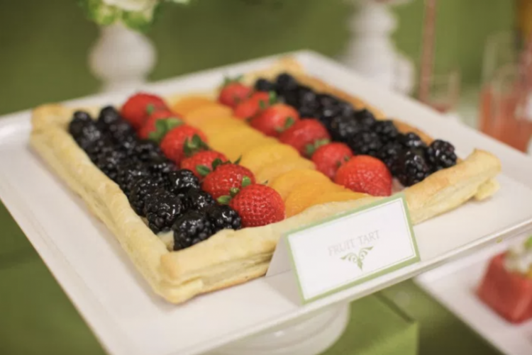 Party Fruit and Veggie Table | Party Fruit and Veggie Bar | Appetizer Table | Fruit Tart