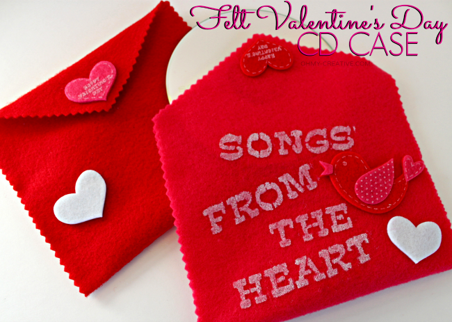 Felt Valentine's Day CD Case. Create a CD with your favorite songs and slip into this handmade case. Perfect for kids classroom or adults | OHMY-CREATIVE.COM