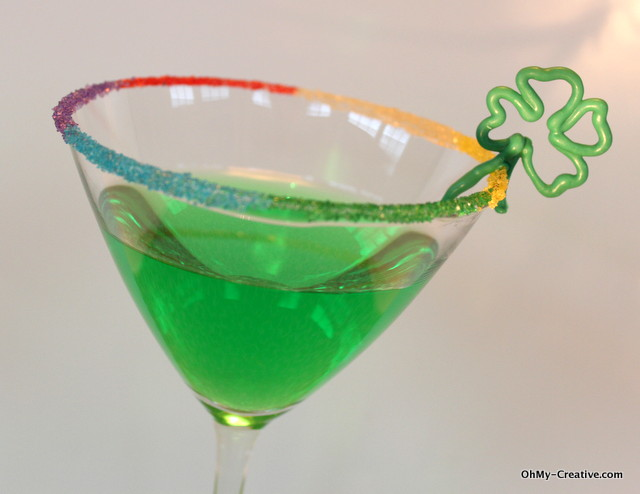 Add a festive St. Patrick's Day Rainbow Rim Sugar to your favorite drinks! | OHMY-CREATIVE.COM
