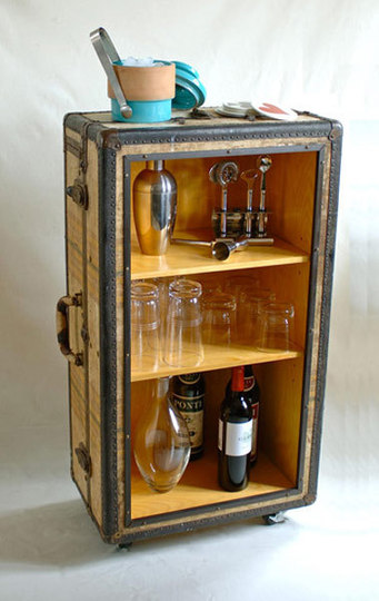 Beautiful Trunk Repurposed Bar Included In These 20 DIY Vintage Suitcase Projects And  Repurposed Suitcases. Create Nice Look