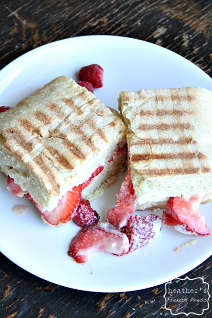 strawberries-and-creme-panini