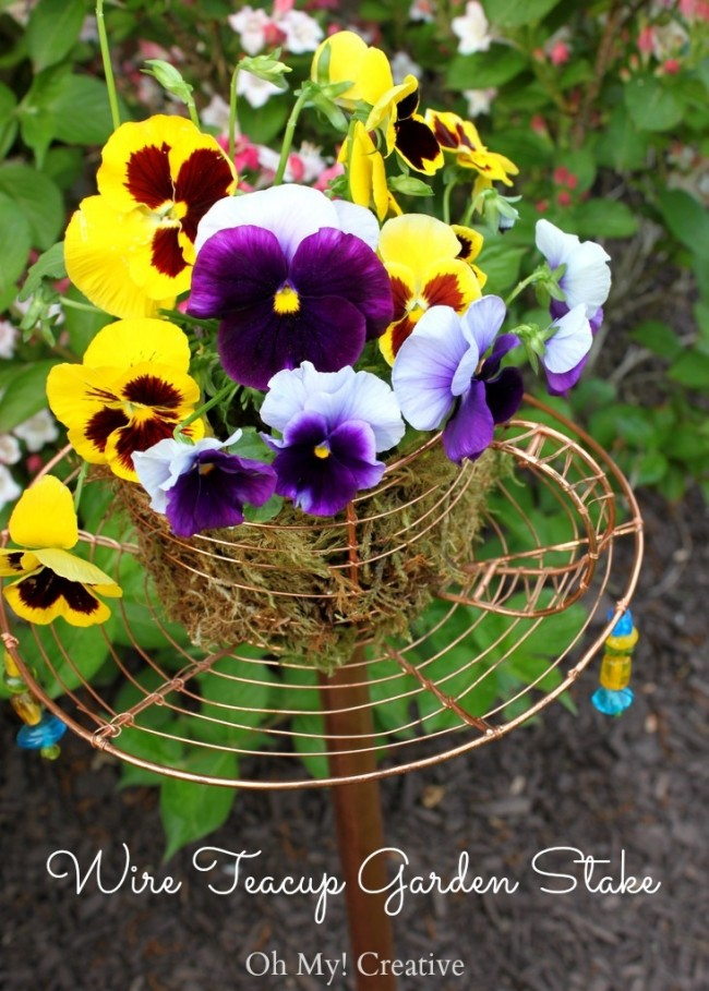 Wire Teacup Garden Stake - OhMy-Creative.com