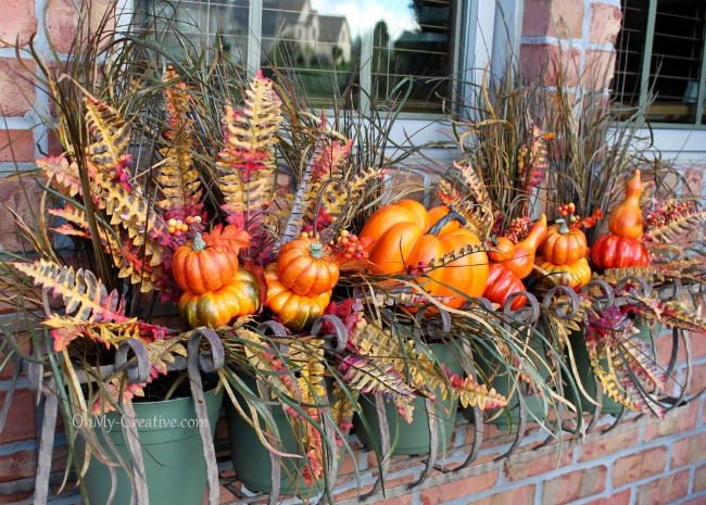 Fall Window Box 2 - OhMy-Creative.com