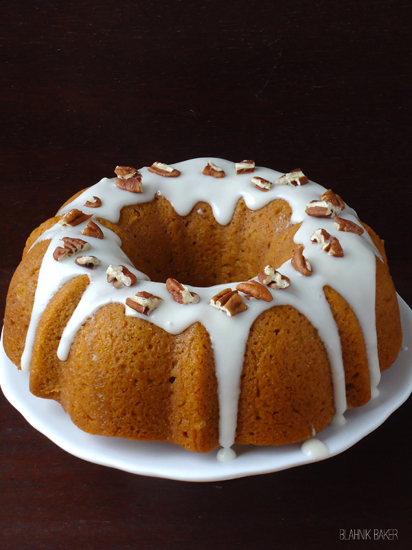 Pumpkin-Bundt-cake-with-bourbon