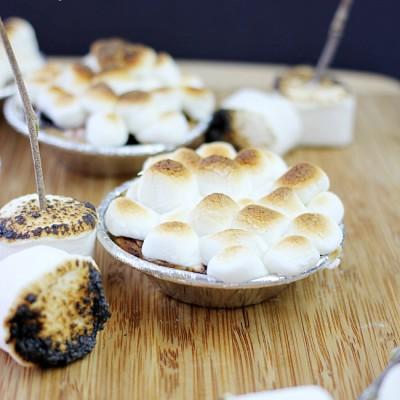 Mini S'mores Pies Recipe