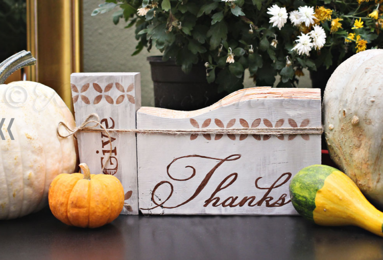 Give Thanks Thanskgiving Sign