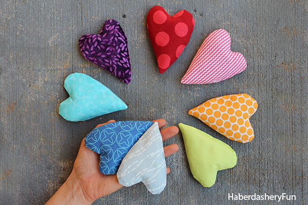 DIY.. MINI HEART SHAPED HAND WARMERS