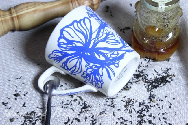 Jardin-Blue-Anthropologie-Mug-Hack-Knockoff-Sharpie-Oil-based-markers