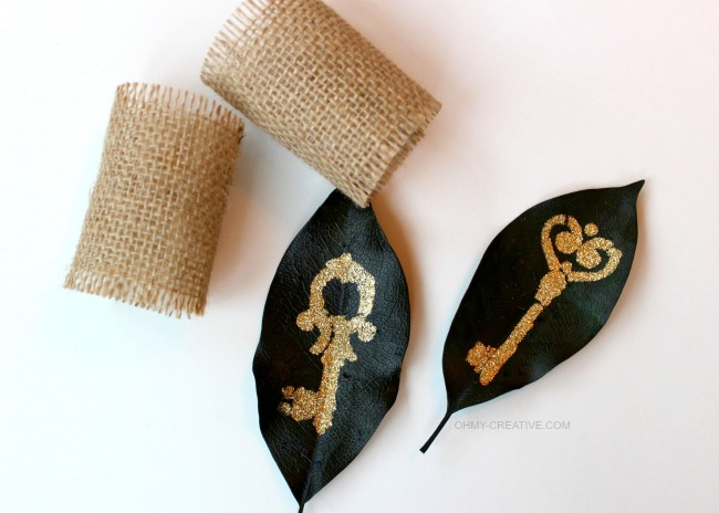 How to make a Glitter Leaf Napkin Rings using Mod Podge stencils  |  OHMY-CREATIVE.COM