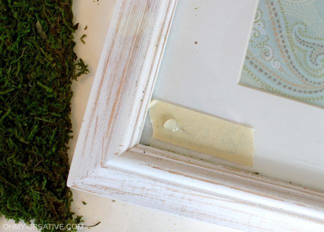 St. Patrick's Day Glitter Shamrock Moss Art | OHMY-CREATIVE.COM #StPatricksDay