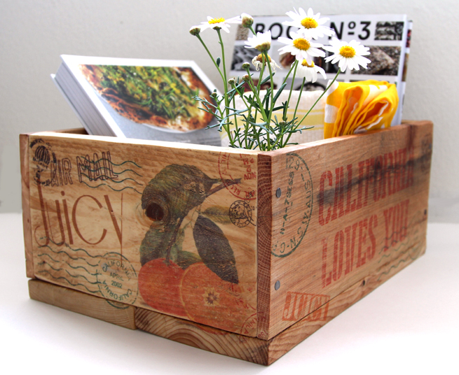DIY: Pallet Wood Crates & Easy Image Transfer