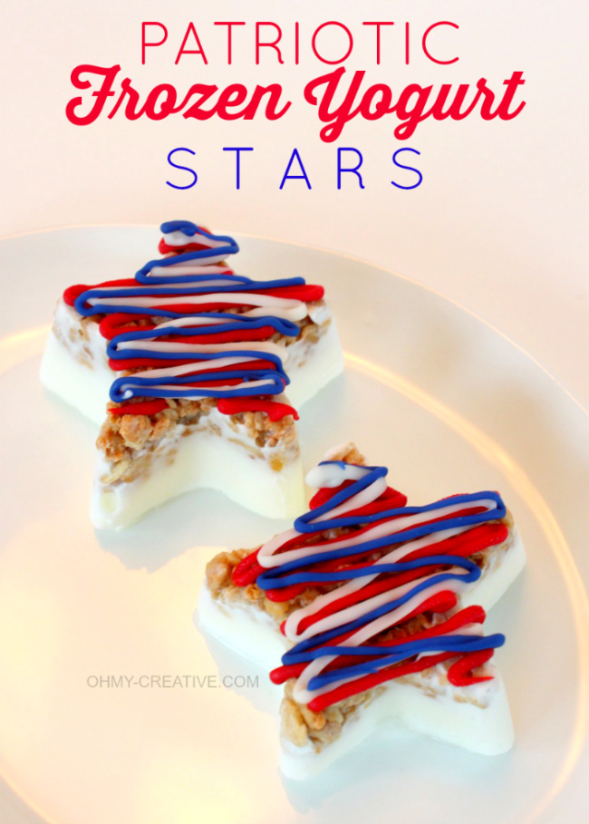 Easy to make Patriotic Frozen Yogurt Stars - kids {and adults} will love them | OHMY-CREATIVE.COM