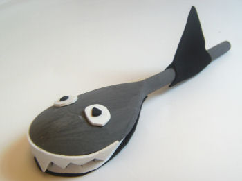 wooden spoon shark craft