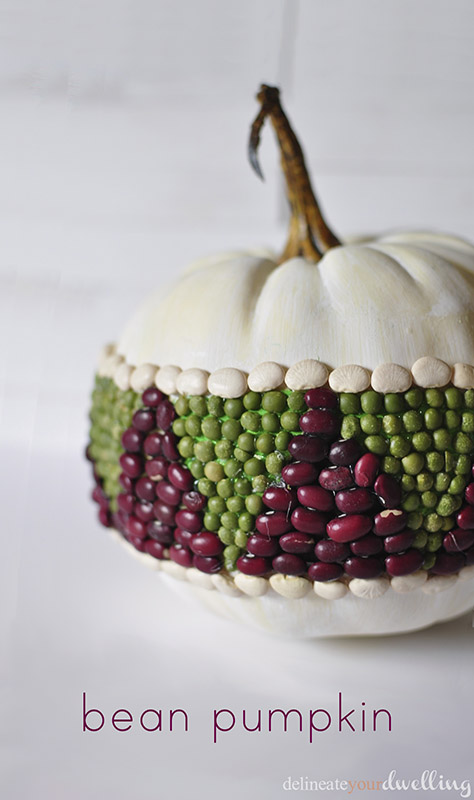 Decorating for the seasons made simple with theses Easy DIY Fall Decor Ideas! Including fall wreaths, fall mantles, fall pumpkins and outdoor fall decor! Popular Pins by OHMY-CREATIVE.COM