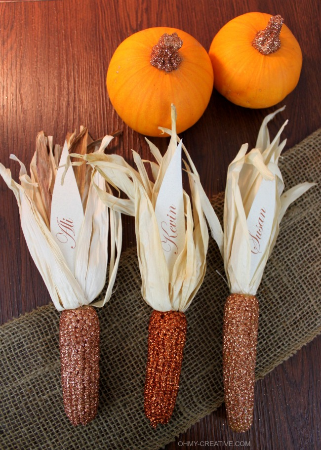 Thanksgiving Place Cards and Glitter Pumpkins | OHMY-CREATIVE.COM