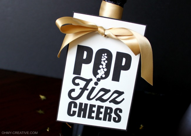 Pop Fizz Clink Free Printable Champagne Bottle Gift Tag | OHMY-CREATIVE.COM