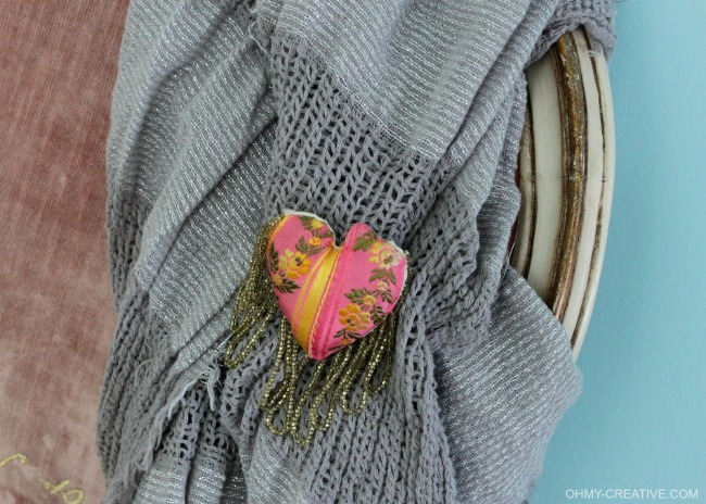 Create this pretty DIY Fabric Heart Pin with beads for Valentine's Day - or sport it everyday! | OHMY-CREATIVE.COM 4