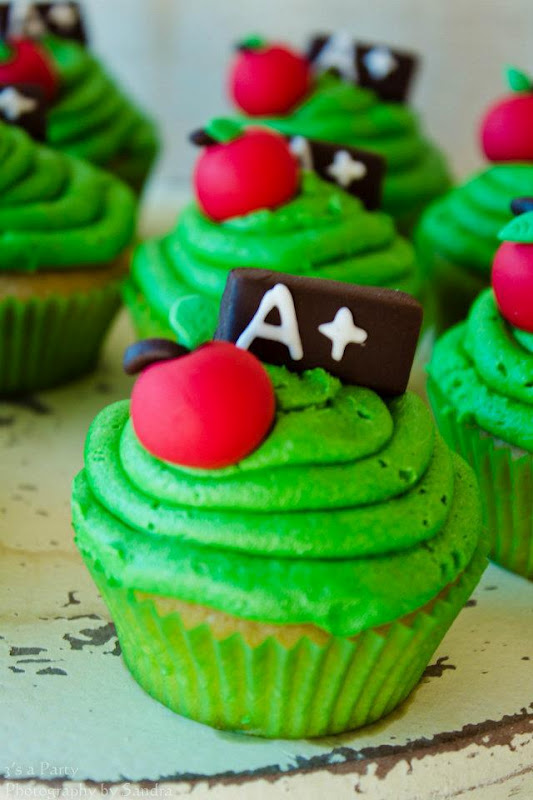 30 Awesome Graduation Party Desserts Oh My Creative