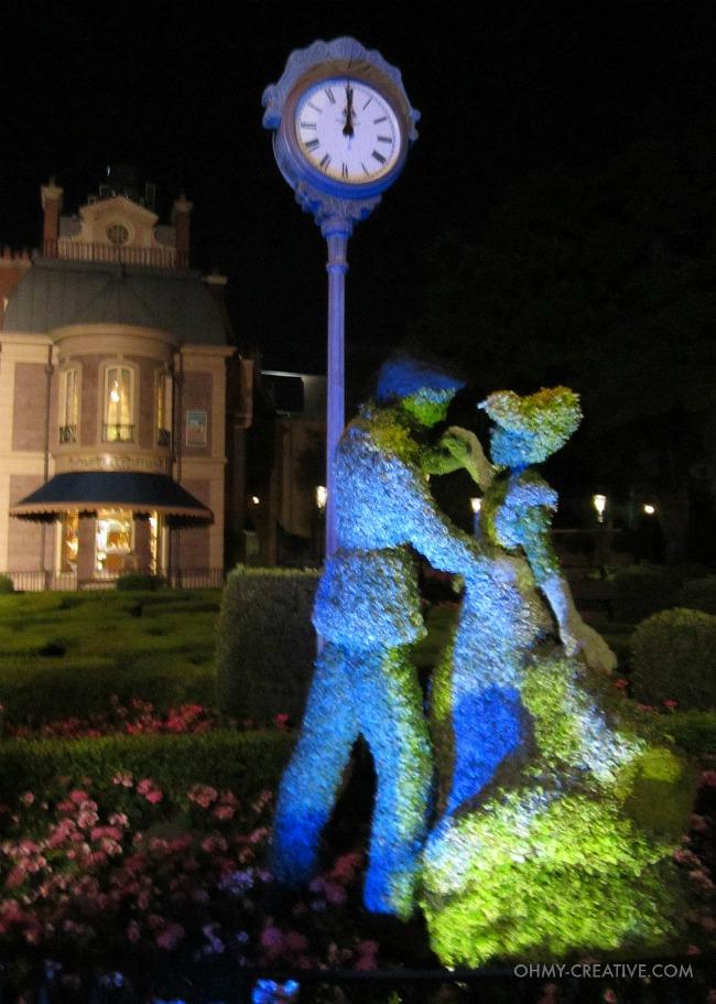 Cinderella Topiarie Epcot International Flower and Garden Festival  |  OHMY-CREATIVE.COM