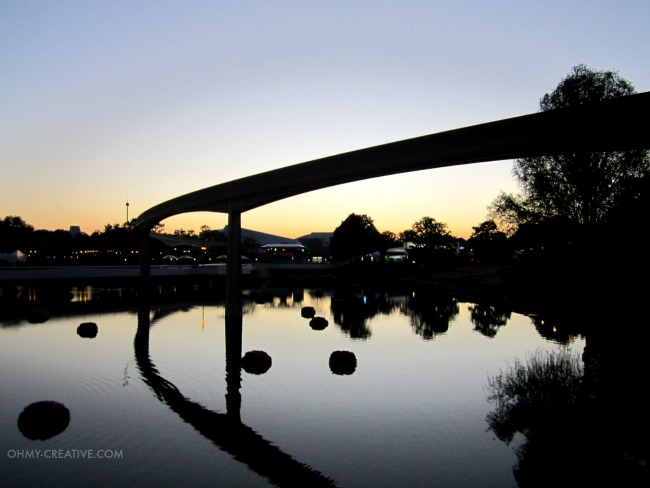 Disney Monorail in Epcot in the evening  |  OHMY-CREATIVE.COM
