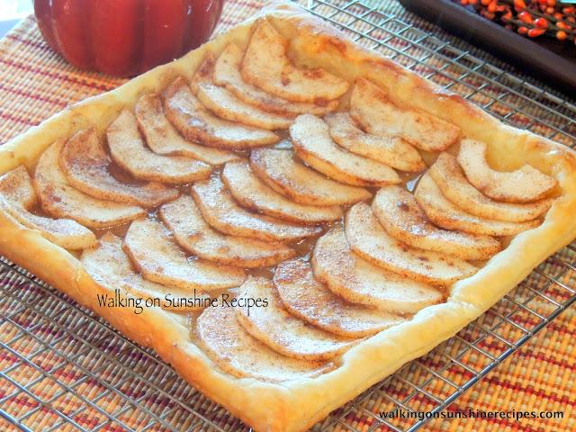 Watch Cinnamon Roll Oatmeal Recipe video