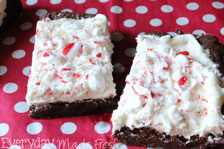 Frosted Peppermint Brownies | OHMY-CREATIVE.COM | Mint Brownies | Brownies with Mint Frosting | Peppermint Icing | Candy Cane Brownies