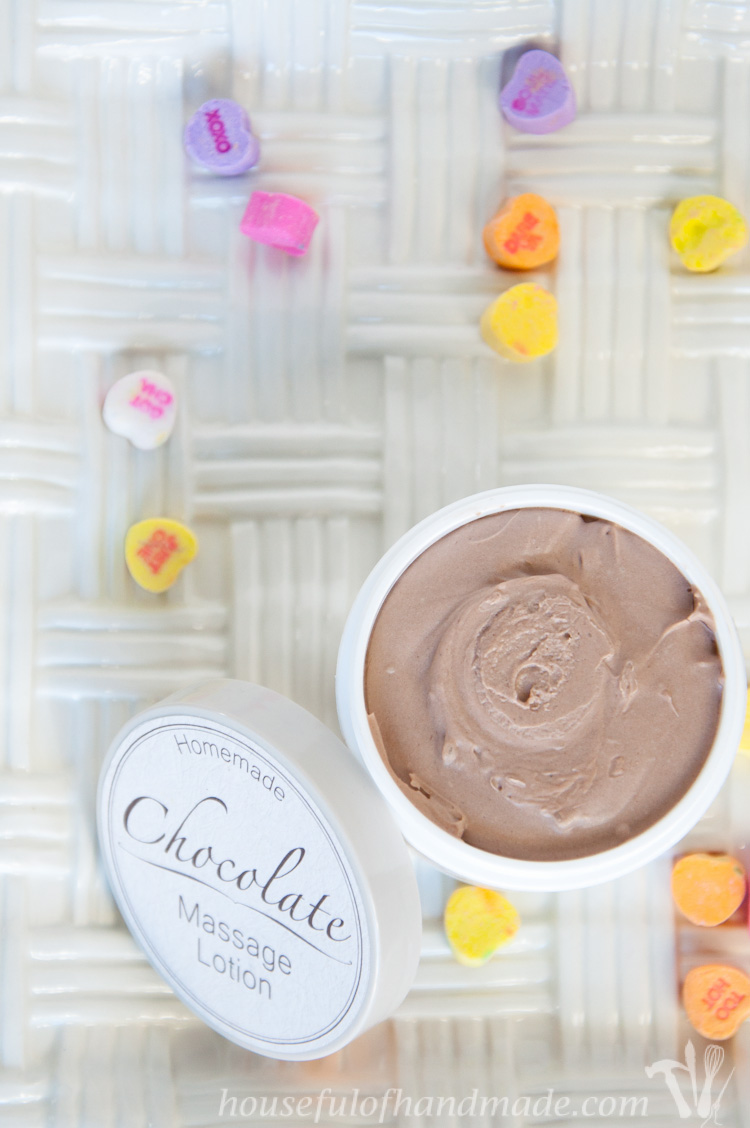 Celebrate Valentine's Day with your sweetheart with homemade chocolate massage lotion. | OHMY-CREATIVE.COM | Chocolate Massage | Chocolate Lotion | Chocolate Body Lotion | Massage Cream | Chocolate Massage Cream | Romantic Gift