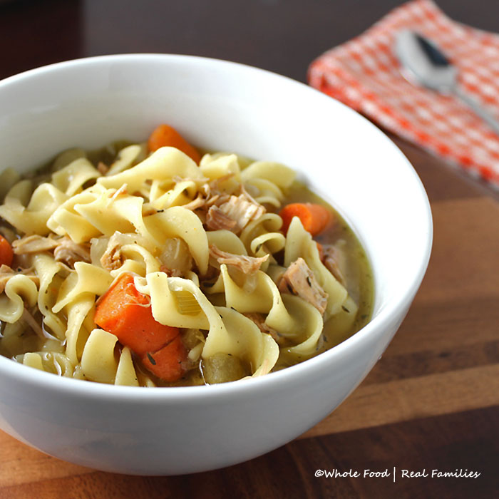 Slow-Cooker-Chicken-Noodle-Soup-700x700
