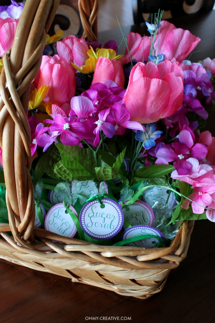 These Homemade Sugar Scrub Shower Favors Are Easy And Inexpensive To Make  For Bridal Showers,