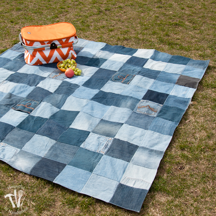 Epicycle your old jeans into a water resistant picnic blanket. Easy to sew and will last forever! Housefulofhandmade.com