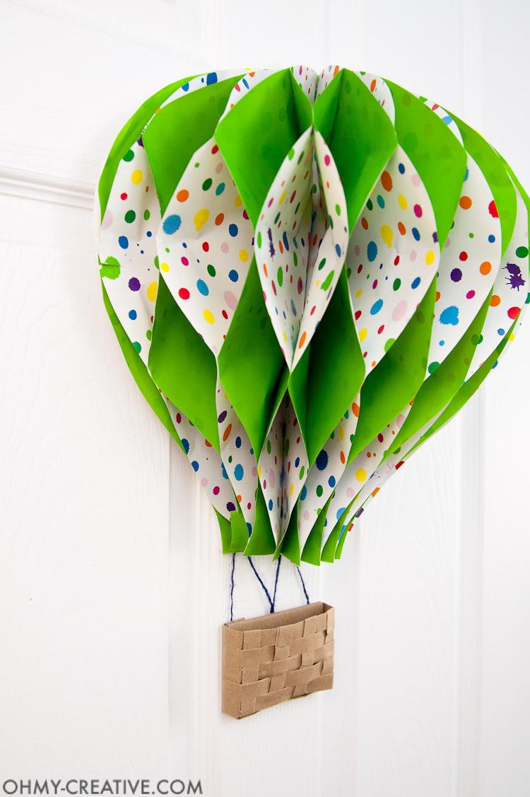 DIY Hot Air Balloon Decor || OHMY-CREATIVE.COM | Paper Hot Air