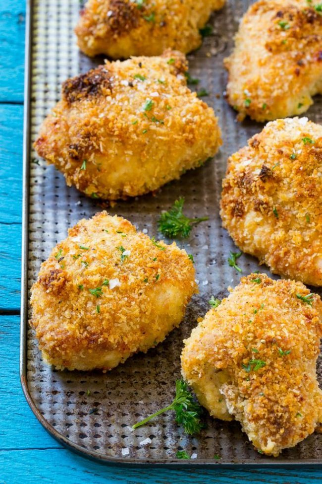 Baked Fried Chicken | 30 Graduation Party Food Ideas | OHMY-CREATIVE.COM