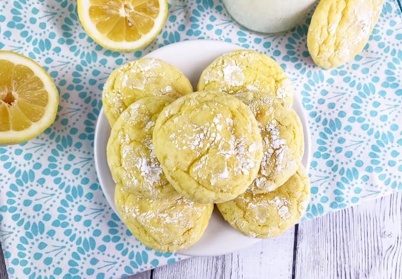 Easy Lemon Cake Mix Cookies Recipe | OHMY-CREATIVE.COM | Lemon Crinkle Cookies | Lemon Cookies | Easy Lemon Cookies | Lemon Cookie Recipe | Cake Mix Cookies | Lemon Crinkle Cookies with Cake Mix