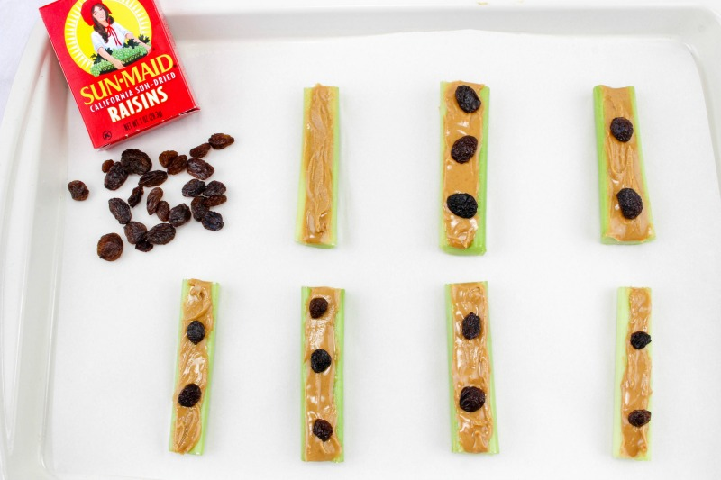 TheseCool Spider Healthy Halloween Snacks make a great option over sweets for all Halloween activities. Make aheadof time for parties or to serve as an after school snack...great for playdates too. OHMY-CREATIVE.COM | #healthyhallweensnacks #halloweensnacks #halloweenpartyfood #halloweenpartysnack #healthyhalloweenappetizer #halloweenspider