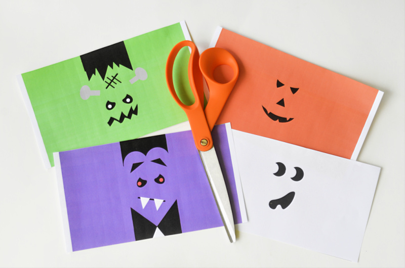 These Halloween Juice Box Covers are great for Halloween parties, to send into school or pass out on Halloween to the trick or treaters! OHMY-CREATIVE.COM   #halloween #halloweenprintables #halloweenjuiceboxcovers #juiceboxcovers #juiceboxwrappers
