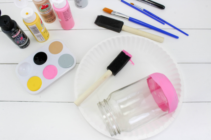 paint pink stripe on the bottom of pencil mason jar