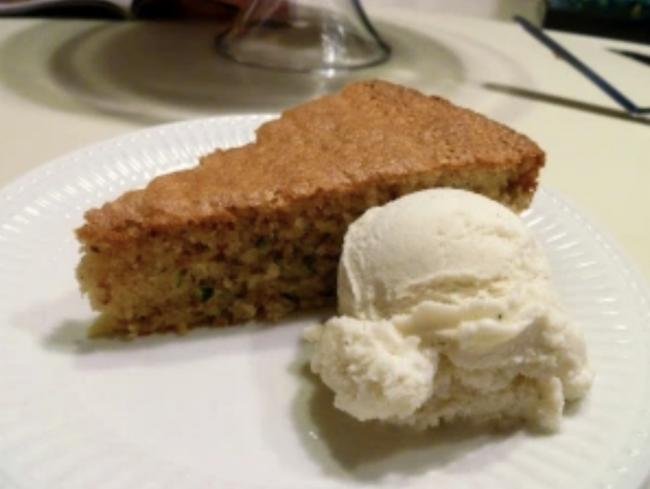 gluten free zucchini almond cake