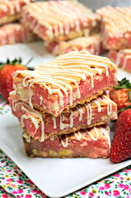 These strawberry cookie bars have 3 incredible and rich layers.