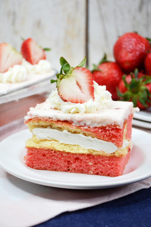 Easy Strawberry Twinkie Cake Recipe